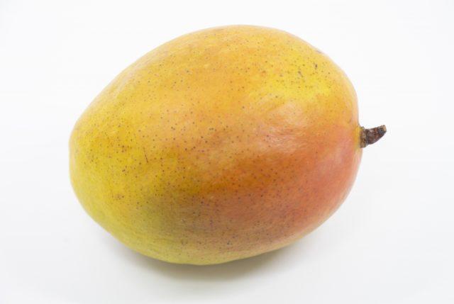キーツマンゴーの食べ頃は甘い香りと果皮のツヤがサイン